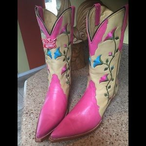 6.5 NEW Rudel Pink Embroidered Cowboy Boots